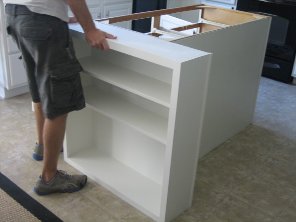 HOUSETWEAKING - How to build a kitchen island with seating