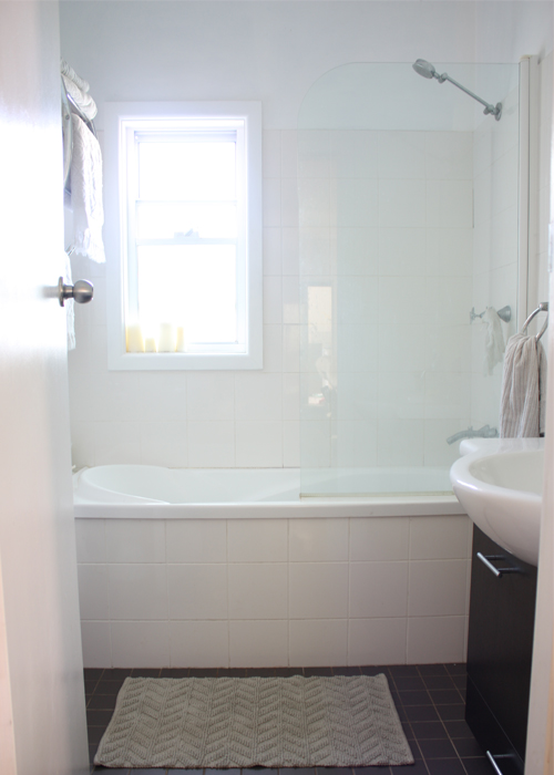 Windows in showers by house tweaking bob vila nation for Bathrooms for small areas