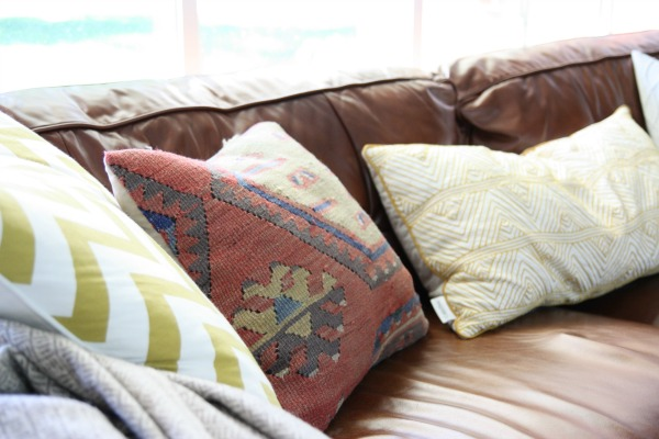 lr pillow 1