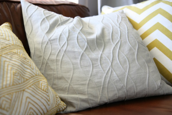 lr pillow 3