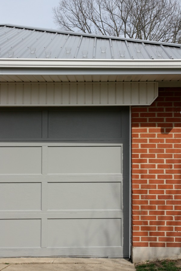 garage door color ideas for orangebrick house - HOUSE TWEAKING