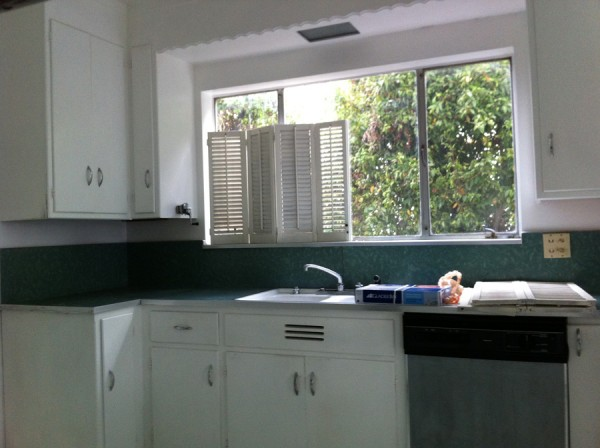 ReLocatedLiving_Kitchen_16
