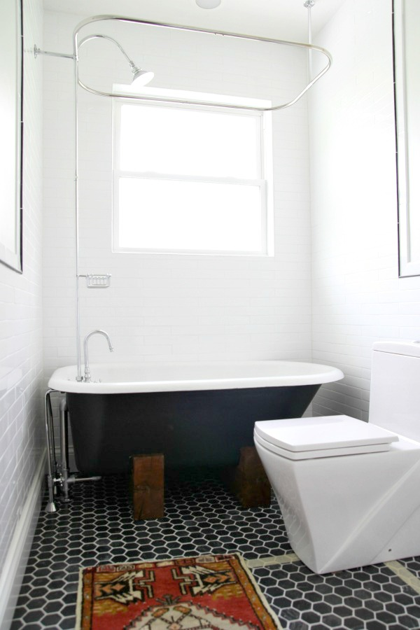 tub in bathroom 2