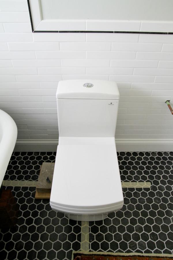 tub in bathroom 9