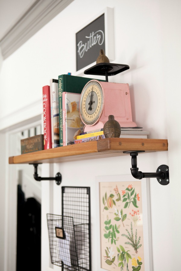 indiana DIY kitchen shelf