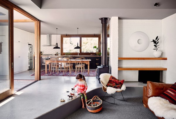 simpler_times-australian-vacation-home-sunken-living-room