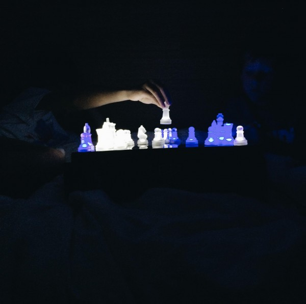 glow in dark chess