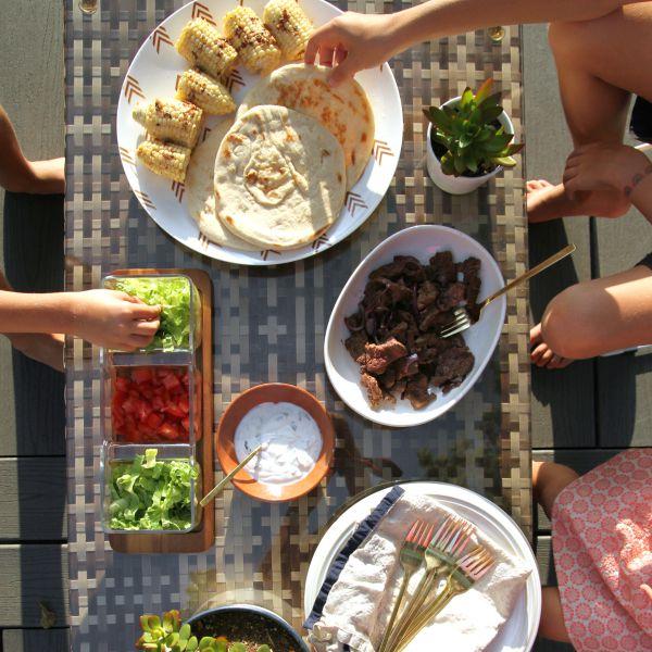 outdoor dinner 7