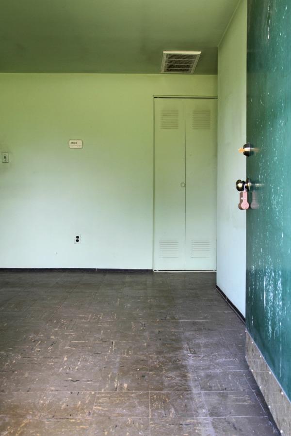 flip house entry
