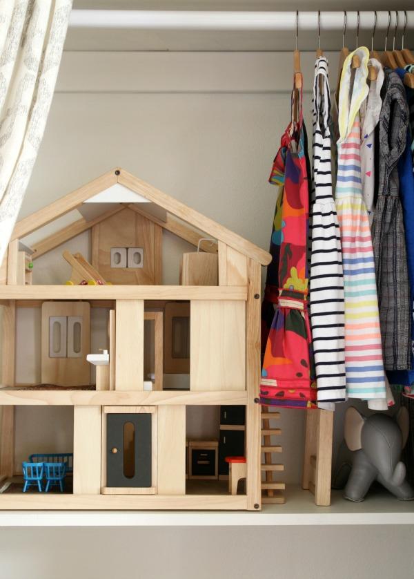 small-closet-4